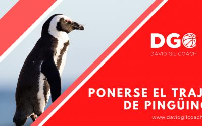 PONERSE EL TRAJE DE PINGÜINO